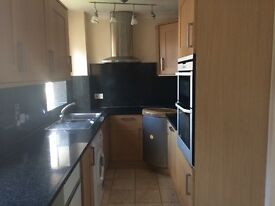 Five Bed room in Charlton -One stop to canary wharf