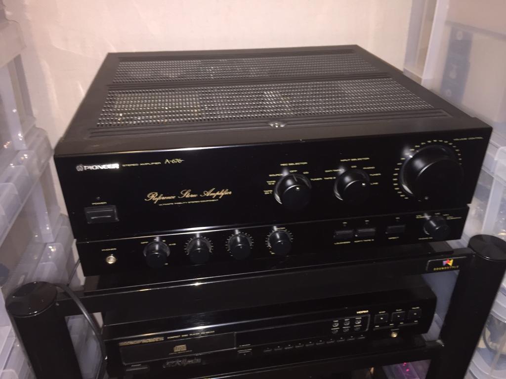 Pioneer A-676 hifi amplifier