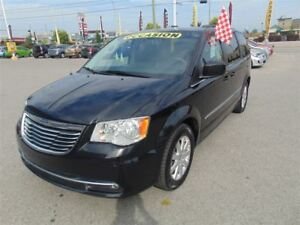 2015 Chrysler Town & Country Touring, stow and go, Bluray