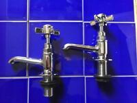 Traditional Beaumont Cross Head Bath/Basin Pillar Taps