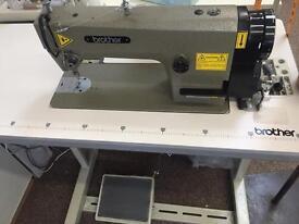 Industrial straight stitch sewing machine