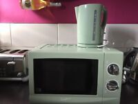 Signature microwave and kettle green in colour £20