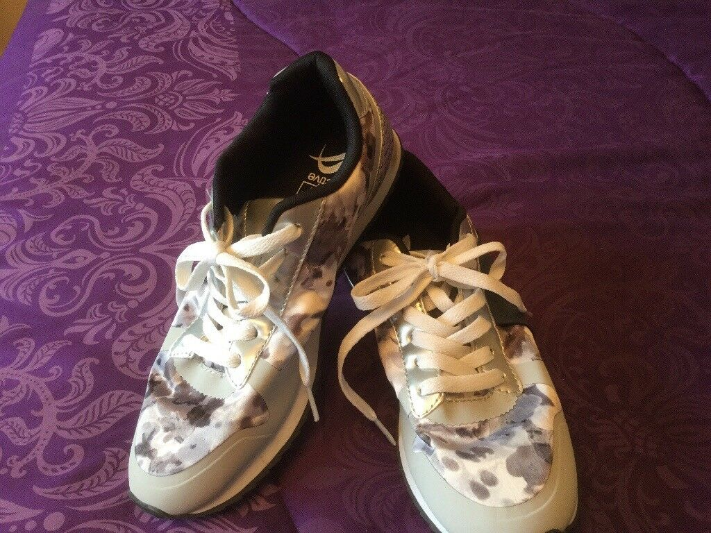 Ladies trainers excellent condition silver, grey, black, white & lilac size 6 F&F active
