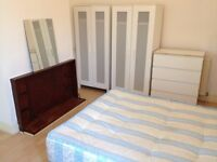 Large single room to rent 5 mins walking to Seven Sisters Station - All bills and internet included