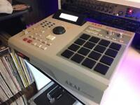 AKAI MPC 2000XL - Cleaned and serviced.