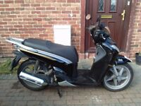 2009 Honda SH 125 scooter, new 12 months MOT, 1 lady owner, genuine mileage, use on CBT, bargain ,,,