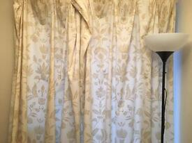 2 pairs of curtains and 1 standing lamp