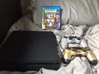 PlayStation 4 Slim, 2 Controllers (Limited Edition) and Crash Bandicoot
