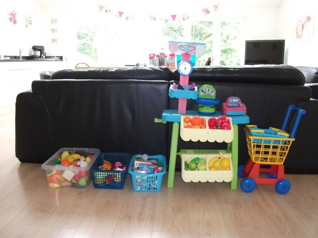ELC LITTLE TIKES FRUIT AND VEG SHOP + LOTS OF ACCESSORIES