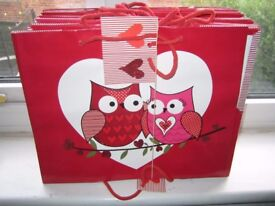 Job Lot CUTE 90 OWL GIFT BAGS 12 x 10 x 4 ins. Medium Gift Wrap Carrier Bags - Gorgeous