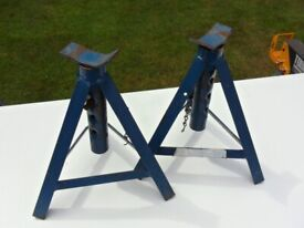 Two Axle Stands