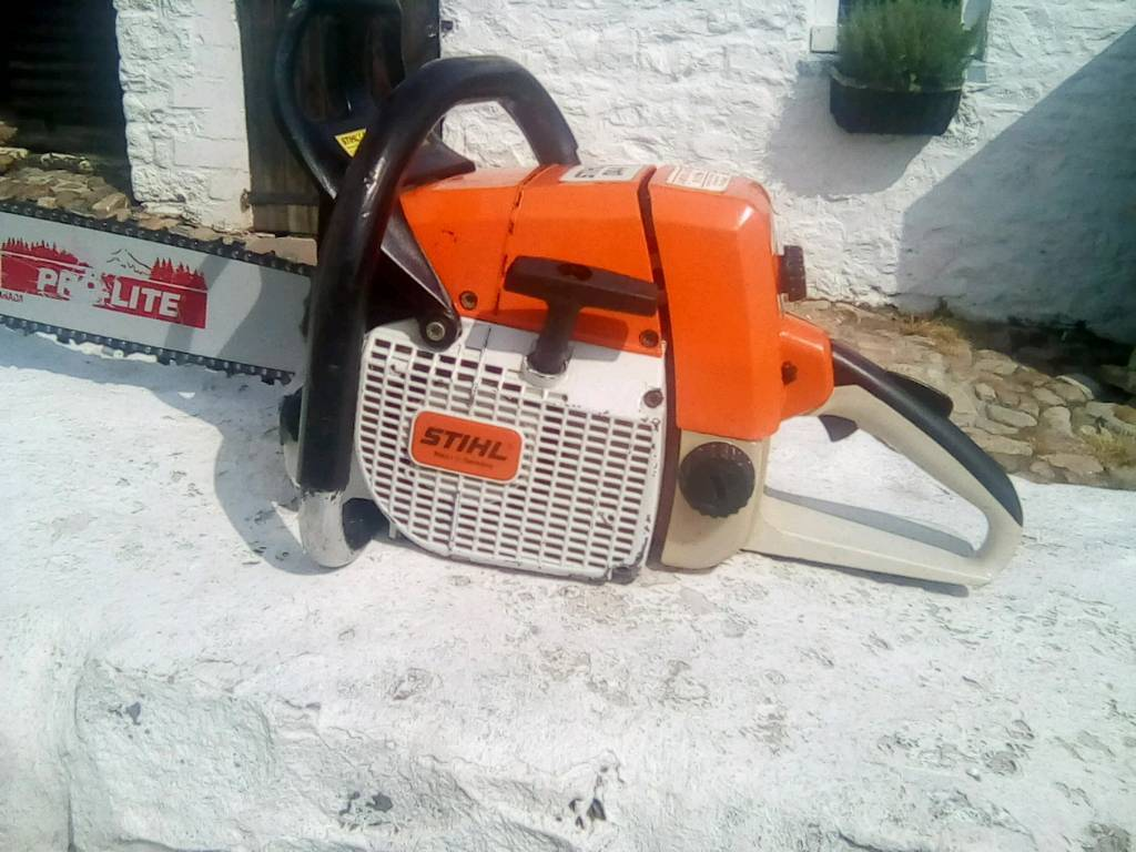 Stihl 044 professional chainsaw in exc condition,new 20