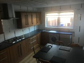 Livingston - Double & Single rooms for rent