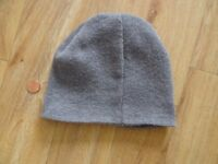 Beanie hat two colours, grey and blue. Unisex
