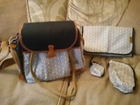 Baby changing bag with bottle holder and changing mat from jojo mama bebe