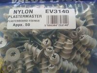 18 X NYLON PLASTERMASTER PLASTERBOARD FIXINGS WITH SCREWS