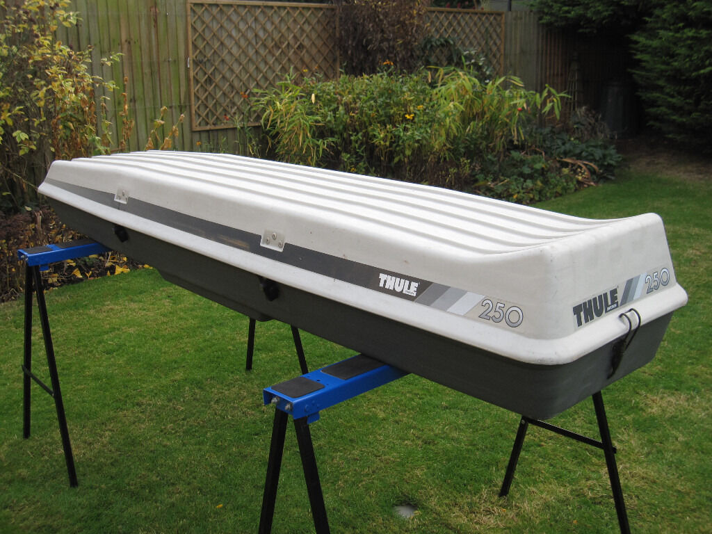 Thule 250 Roof Top Storage Box Good Condition With