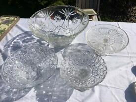 4 x vintage glass (2 cake plates & 2 dishes)