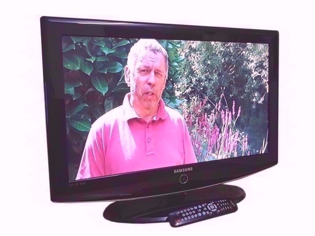 "Samsung 32"" HD LCD Television Freeview"