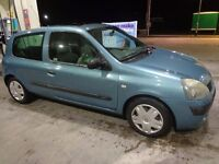 2002 renault clio 1.5 diesel moted and taxed very cheap tax only £30 a year DRIVEAWAY OR DELIVERY