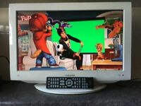 22 Inch Toshiba HD LCD Digital TV Combi With Freeview HDMI FullHD television