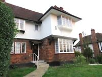 3 bed maisonette to rent in Ossulton Way, Hampstead Garden Suburb N2 £2513pcm
