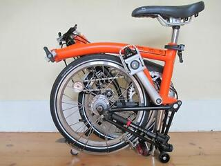 (2013) Orange & Black Brompton M3L Folding Bike In Next To New Condition
