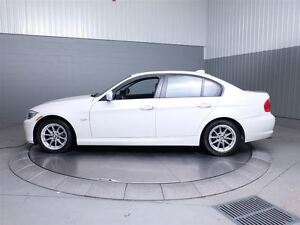 2011 BMW 323 i MAGS TOIT CUIR West Island Greater Montréal image 12