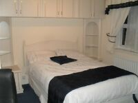 Spacious furnished single room