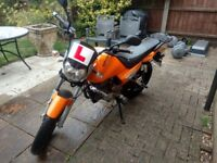 Zontes Monster 125cc Motorbike - Good Condition (minor scratches, loose chain) - Petrol