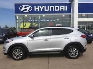 2016 Hyundai Tucson Luxury AWD, Nav, Power Lift Gate $177* BI-WE