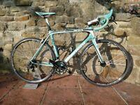 Bianchi Sempre lightweight full carbon road bike (large)