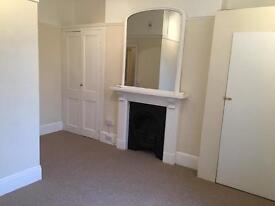 City Centre Flat to Let (Rent Inc water and heating)