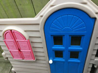 LITTLE TIKES COUNTRY COTTAGE PLAYHOUSE