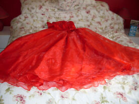 BALLGOWN IN BRIGHT RED - SIZE 14