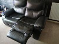 Leather settess