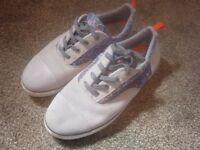 CLARKS men's everyday shoes - Size 5