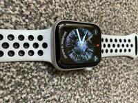 Apple Watch 4 Nike aluminium 44 mm