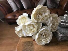 6 really large white flowers brought from £3.99 a stalk selling £8 the lot