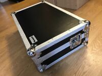 Numark flight case