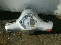 Vespa GTS 250 front headset group and digital speedometer
