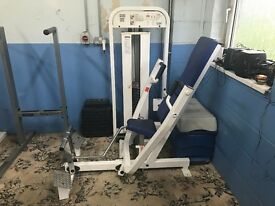 Paramount Seated Chest Press