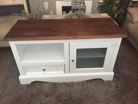 Lovely Shabbychic/Farmhouse tv stand/unit/cabinet