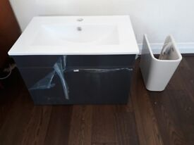 600 mm wall hung sink with drawer unit.