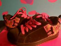 Black and pink dc shoes