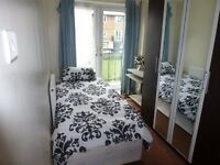 ** ALL BILLS INCLUDED ** SPACIOUS SINGLE ROOM WITH BALCONY AVAILABLE BANG IN POPLAR E14