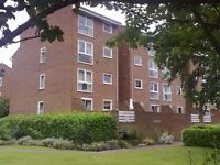 A TWO DOUBLE BEDROOM UNFURNISHED FLAT located close to Bromley South station & High Street