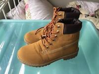 Faux timberland style boots unisex uk size 3 adults