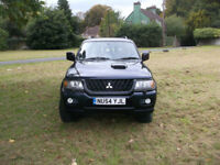 mitsubishi shogun sport 2.5td 2004 blue, long mot 2 keys air con and sun roof.