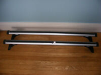 Lockable Thule Car Roof Bars to fit Renault Scenic 2008 and similar